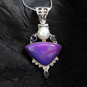 Triangle Howlite, Biwa Pearl & Tanzanite in Silver